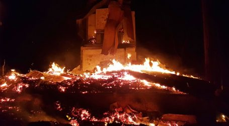 Tres cabañas resultaron quemadas tras presunto ataque incendiario en Cañete