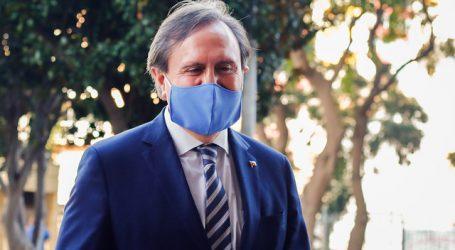 Diputado Moreira (UDI) se interna en centro asistencial por problemas de salud
