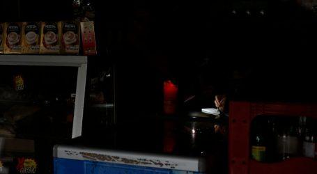 Reportan más de 64 mil clientes sin luz en provincia de Quillota