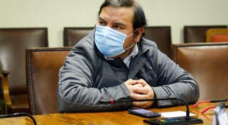 """Barrera cuestiona que consulados sean usados como """"sucursales"""" de las AFP"""