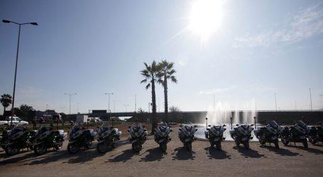 """Entregan 15 motocicletas a Carabineros para combatir """"encerronas"""" en la RM"""