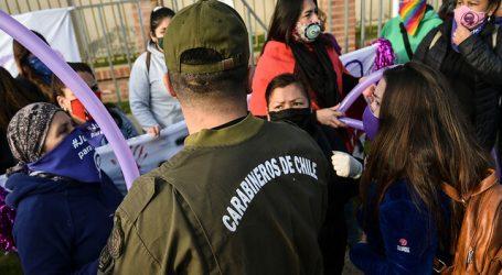 Justicia para Ámbar: Grupo de mujeres se manifiesta en Juzgado de Villa Alemana