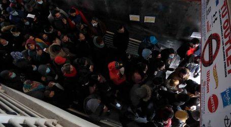 Piñera llamó a la responsabilidad de las personas por aglomeraciones