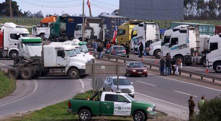 Advierten posible aumento de precios en algunos alimentos por paro de camioneros