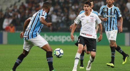 Ángelo Araos jugó en el empate de Corinthians con Palmeiras
