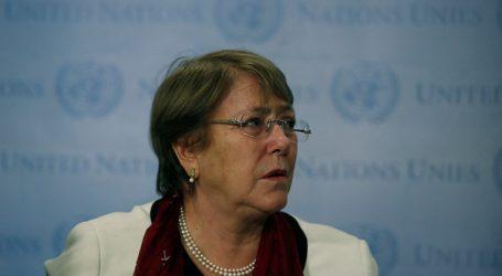 Detienen a hija de Bachelet tras protesta en Santiago