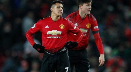 Leyenda del Arsenal critica a Alexis por sus dichos sobre su arribo al United