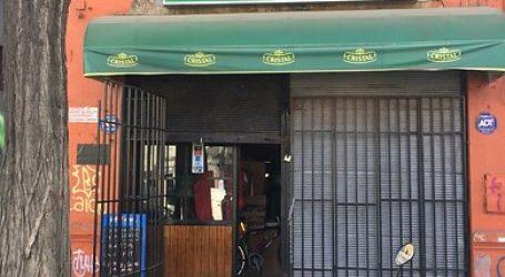 Carabineros detiene a 13 por infringir medidas sanitarias en restaurant