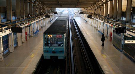 Este lunes reabrió estación Laguna Sur del Metro de Santiago