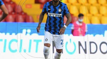 Inter goleó a Benevento con Alexis Sanchez y Arturo Vidal como titulares