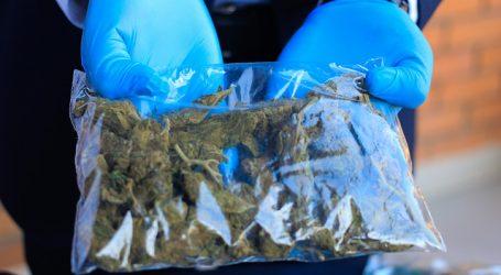 PDI La Calera detiene a tres personas e incauta 4.000 dosis de cannabis