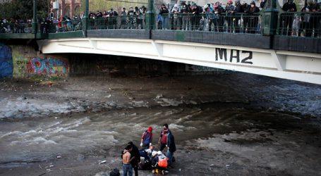 Defensoría de la Niñez anunció querella tras caída de joven al río Mapocho