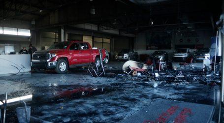 Ataque incendiario en automotora de Concepción deja 4 vehículos quemados