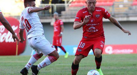 D. Valdivia rescató un agónico empate ante el puntero Ñublense en la Primera B