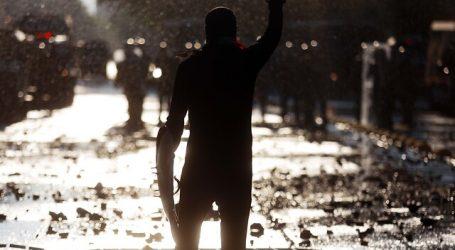 Se registran incidentes tras manifestaciones en el centro de Santiago