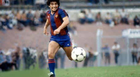 Sevilla y FC Barcelona recuerdan a Maradona un día después de su muerte