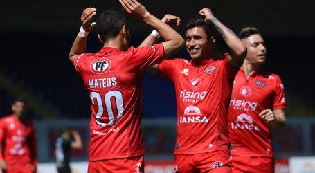 Primera B: Ñublense retomó el liderato con triunfo sobre Deportes Santa Cruz