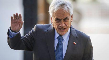 Presidente Piñera fue visto paseando por Cachagua sin mascarilla