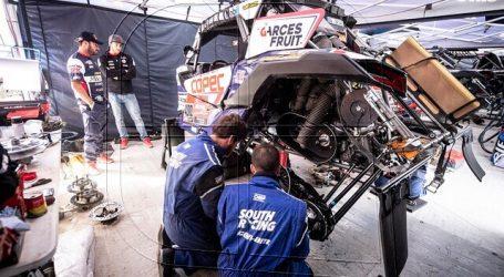 """""""Chaleco"""" López da a conocer el buggy con el que correrá su décimo Dakar"""