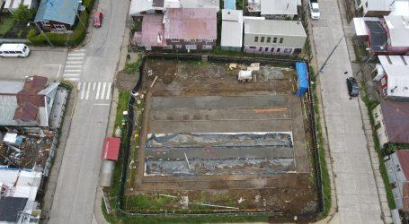 Ancud: Avanza construcción de multicancha de población 22 de mayo