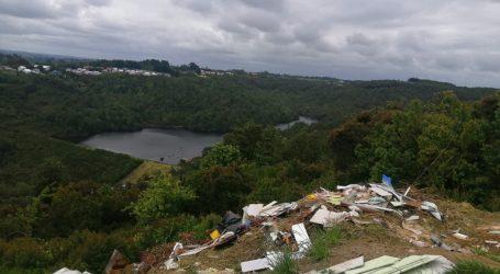 Municipio de Ancud denuncia una treintena de microbasurales y anuncia plan de recolección de escombros y residuos voluminosos
