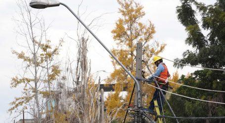 Enel activó plan preventivo por pronóstico de lluvia en la Región Metropolitana