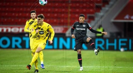 Aránguiz fue titular en victoria del Bayer Leverkusen ante Borussia Dortmund