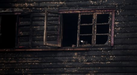Incendio en Osorno dejó un fallecido y tres viviendas afectadas