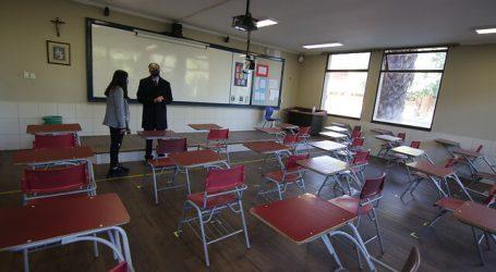 Santiago comenzará el año escolar 2021 con clases remotas