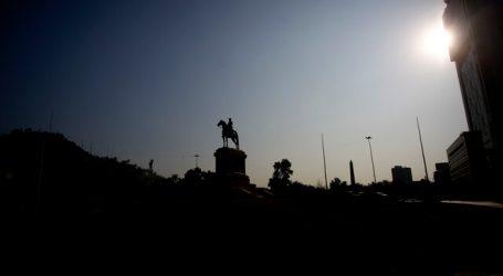 Monumento a Baquedano amanece restaurado tras incendio en manifestaciones