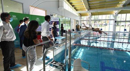 Transforman piscina municipal de Peñalolén en la primera fotovoltaica del país