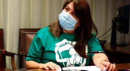 Diputada Mix oficia al Minsal por negligencias en reparación a víctimas oculares