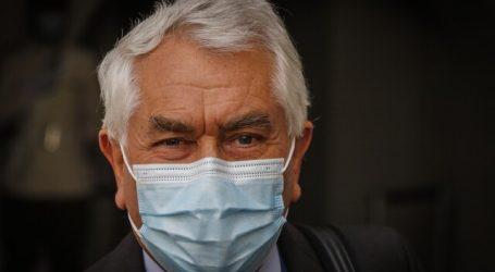 """Covid-19: Gobierno estudia entregar un """"carnet verde"""" a los vacunados"""