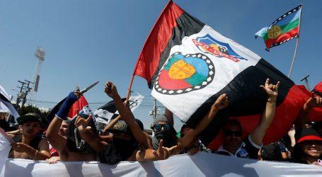 Hinchas de Colo Colo se manifestaron pidiendo el regreso a los estadios