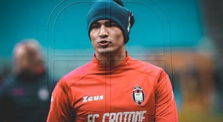 Serie A: Luis Rojas ingresó a los 62 minutos en agónico empate de Crotone