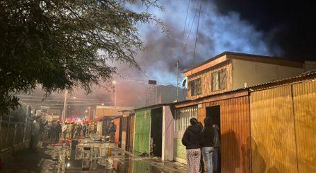 Incendio en Lo Barnechea dejó a una persona fallecida