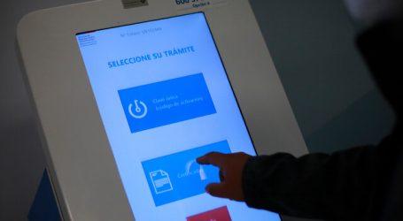 Gobierno y Registro Civil inauguraron tótem de autoatención en la Posta Central