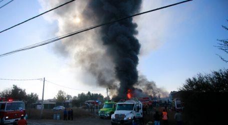 Lampa: Incendio se registra en planta de reciclaje de solventes químicos