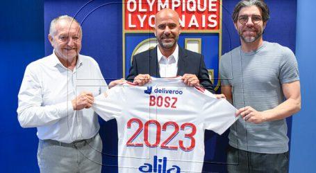 Extécnico de Charles Aránguiz en el Leverkusen dirigirá al Olympique de Lyon