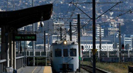Día del Patrimonio: Emblemático tren AES 11 hizo un recorrido en Valparaíso