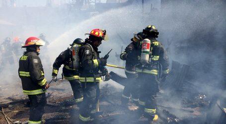Incendio en campamento de Antofagasta afecta a al menos 20 viviendas