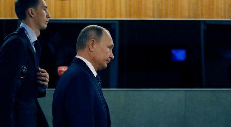 Putin promulga la ley que veta al entorno de Navalni en procesos electorales
