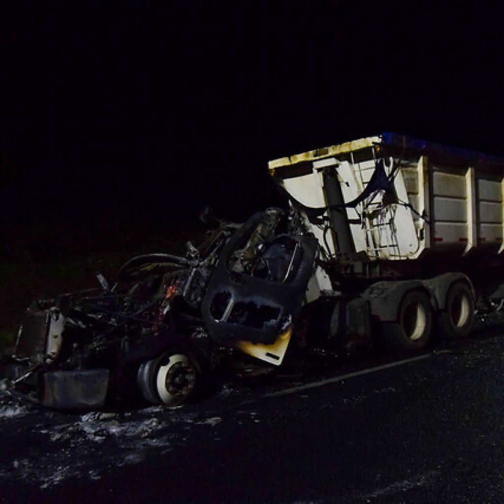 Incendian cuatro camiones en dos nuevos ataques registrados en La Araucanía