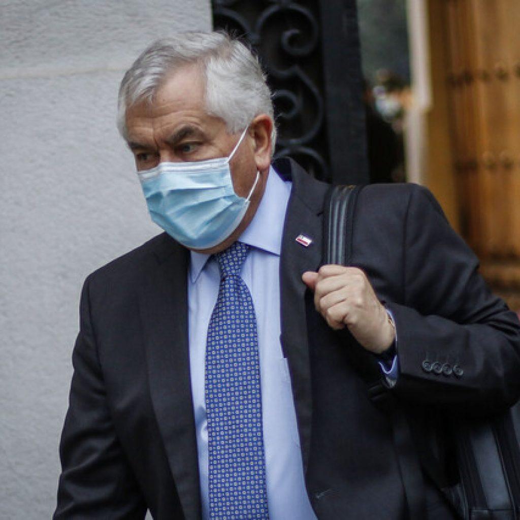 Ministro Enrique Paris confirmó que dio negativo a Covid-19