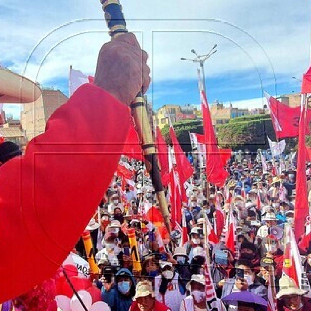 Pedro Castillo lidera las elecciones de Perú con todas las actas procesadas