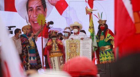 """Perú: Castillo traslada su """"ánimo"""" a los manifestantes afines a Perú Libre"""