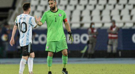 """Claudio Bravo: """"Nos vamos contentos con el partido que hicimos ante Argentina"""""""