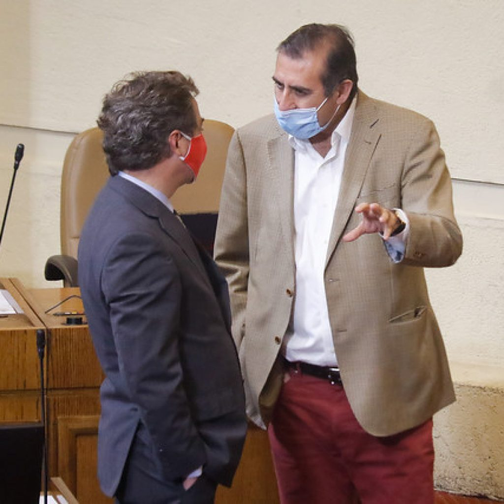 Gahona y Eguiguren se reúnen con Gobierno por bono que beneficie a agricultores