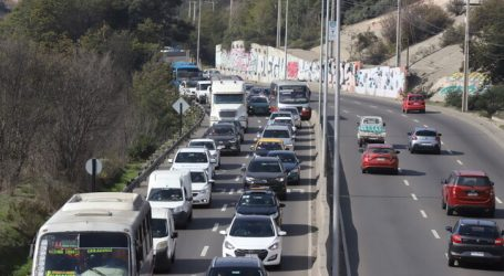 Tres muertos deja desbarrancamiento de camiones en Viña del Mar