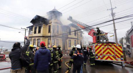 Incendio afecta hogar de ancianos en Valparaíso